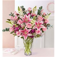 amazing-mom-pink-bouquet-in-a-vase